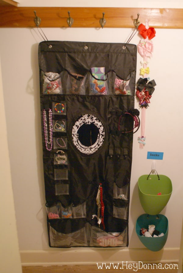 Hanging children's jewelry and hair organizer