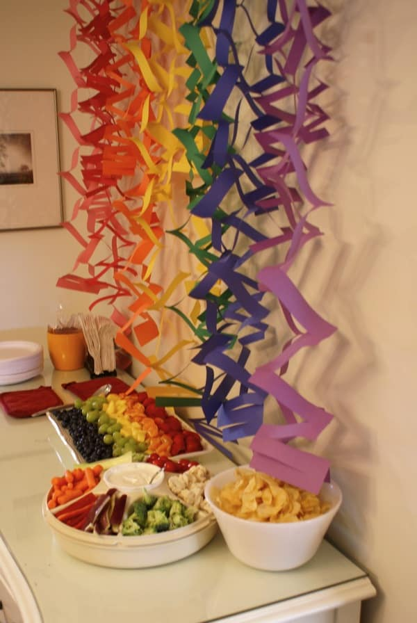 Easy paper rainbow streamers and rainbow snack ideas